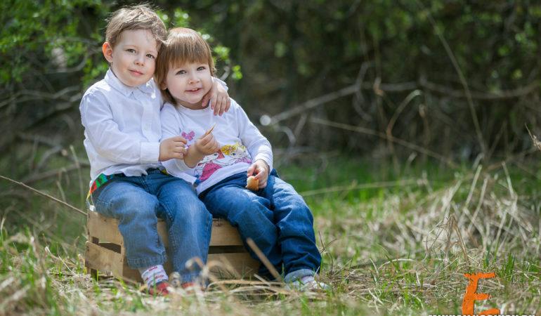 Детская фотосессия на природе. История о дружбе