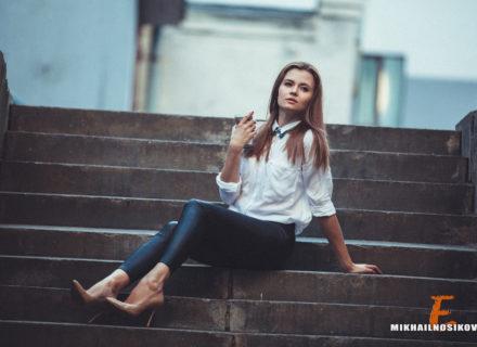 Позы для фотосессии сидя