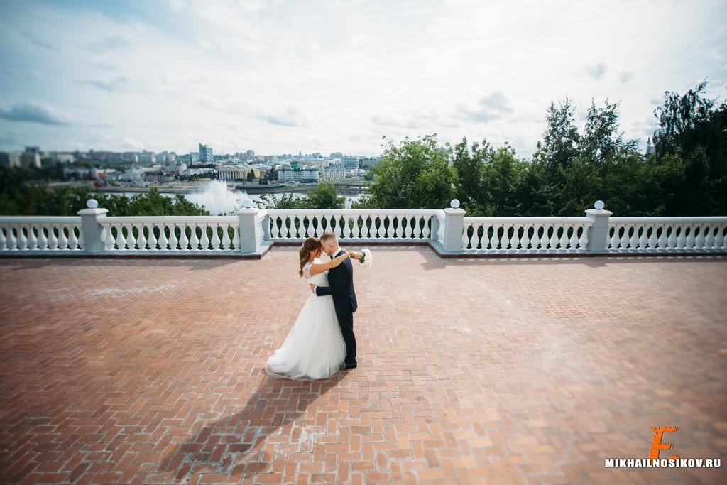 Свадебная фотосессия - молодожены