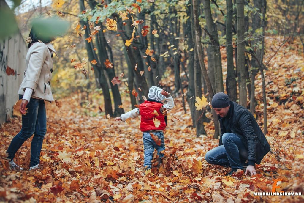 Фотосессия семьи осенью на природе Чебоксары