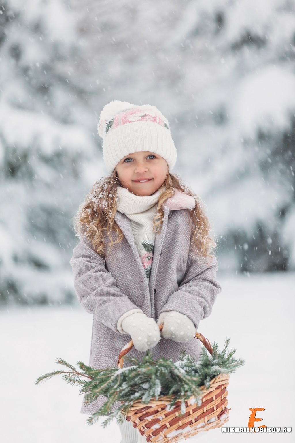 Зимняя фотосессия в лесу дети