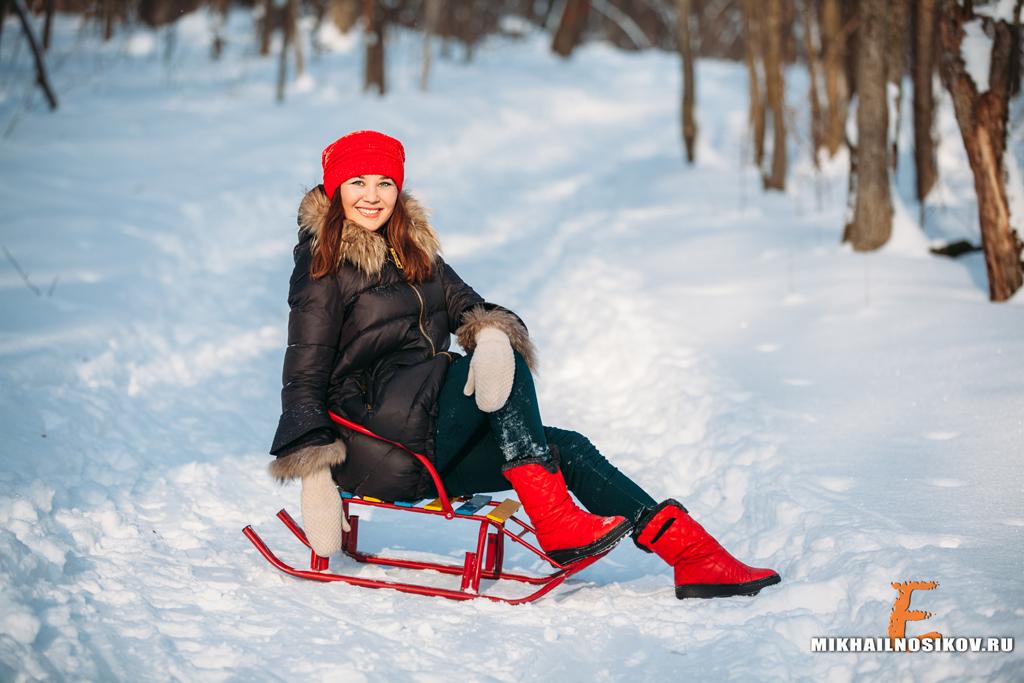 Зимняя фотосессия девушки