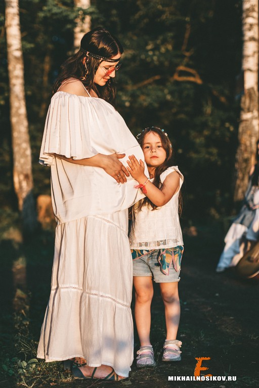 Беременность - фотосессия в стиле хиппи