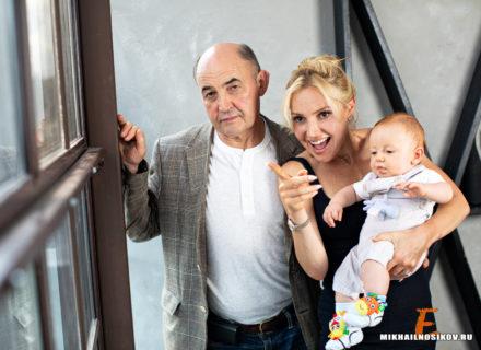 Семейная фотосессия в студии Чебоксары