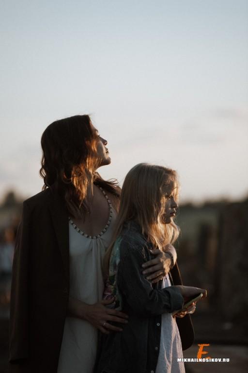 Фотосессия мамы и дочки на Мокринском мосту